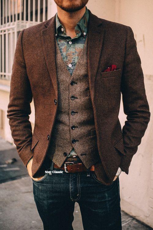 ブラウン系ツイードジャケットとブラウン系ツイードベスト×ジーンズ