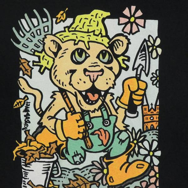 Bear Cat Bucket BrigadeのTシャツ